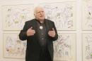 Přestože dnes slaví svě 81. narozeniny, je profesor Milan Knížák stále tvůrčí. Snímek ho zachycuje na výstavě v galerii Milan Knížák, kde vystavuje mnoho desítek obrazů jak si představuje budoucí obyvatele EU
