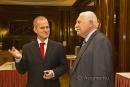 Doktor Tomáš Břicháčekv rozhovoru  s prezidentem Václavem Klausem na semináři Institutu Václava Klause, na němž přednesl zásadní varovný projev na téma